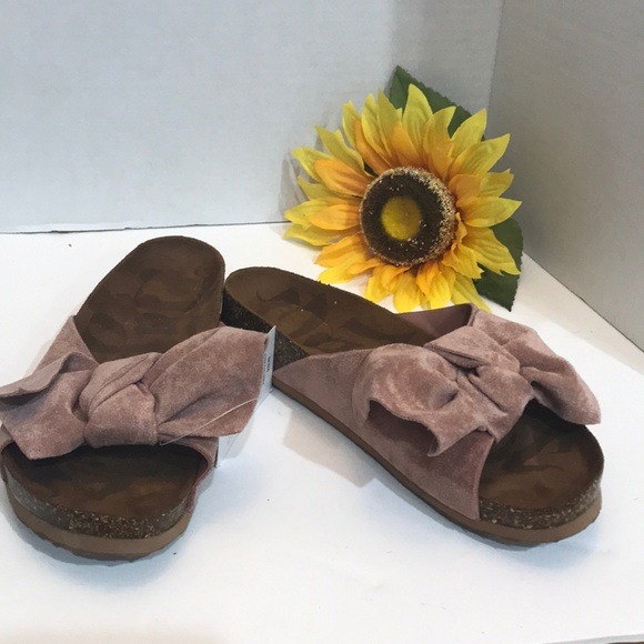 8ad912133cb Women s Mad Love Asia Bow Footbed Sandals Size 5